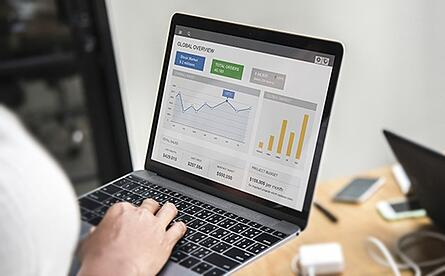 man-laptop-dataviz-blog-post